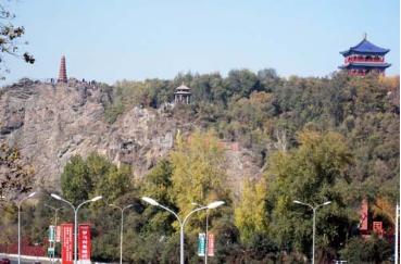 la nova monto Hongshan 红山新颜